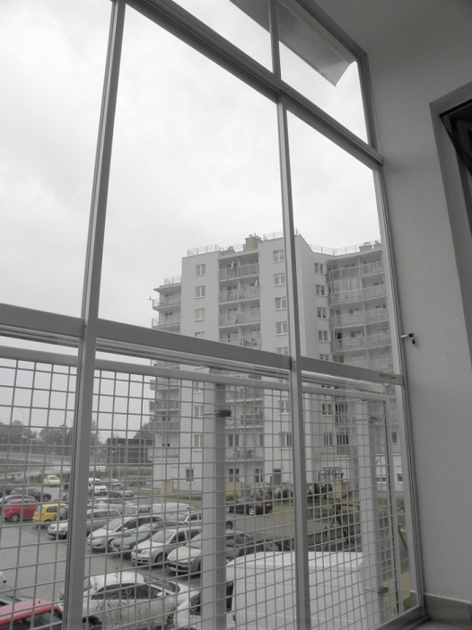 Zabudowa balkonu dużymi segmentami